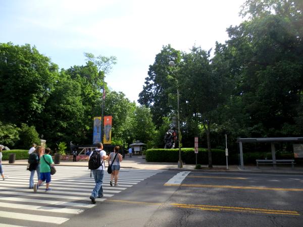 国立動物園の入り口風景